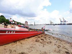 Landgang an der Elbe in Övelgönne / Strandperle